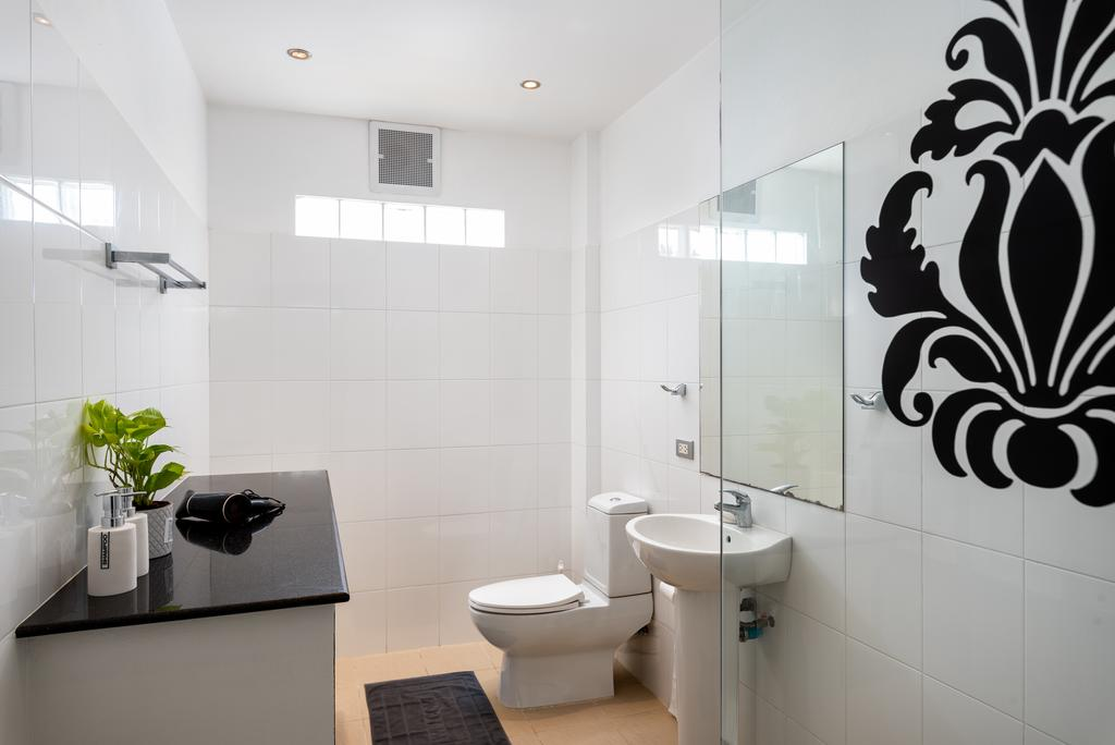 share-bathroom